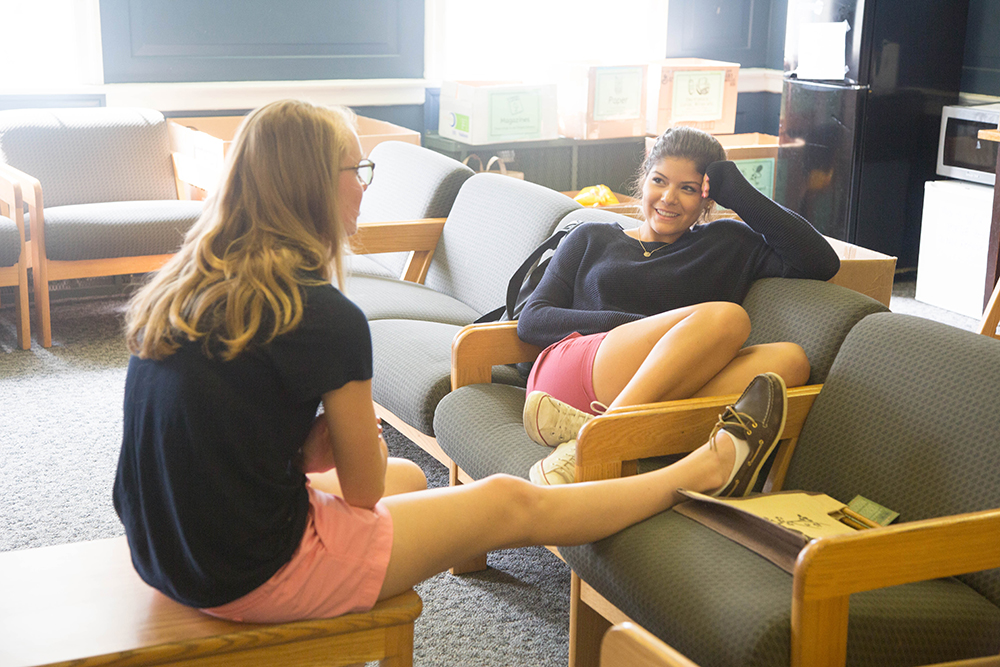 Peddie students relax in their dorm on a Late Start Wednesday.