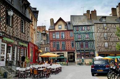 Visiter La Ville De Dol De Bretagne